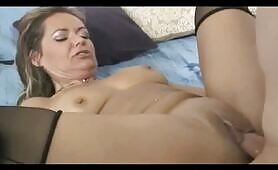 Squirting MILF Soaks the Bed and gets behind pounded