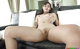 Thai lady Bew wants her mouth and cunt to be filled up