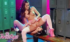 stunning Babe Brooklyn Gray's pretty Strip Dance Makes Her Play With Herself